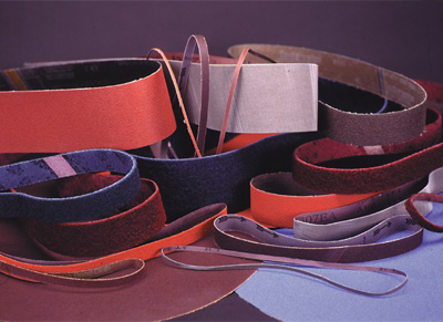 There are a range of belt sizes and grits to fit your application. See the Abrasive Belt section to see a list of belts that are available for the 960-400.