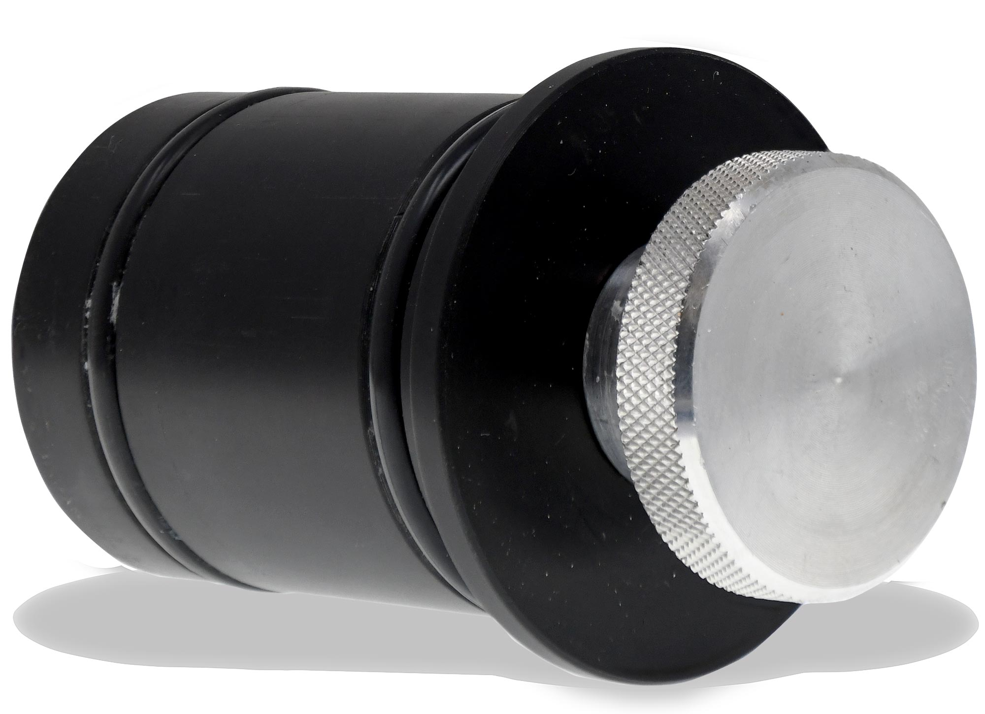 1550 Plug designed with double seals to reduce potential of leaks.   Seals are user replaceable.